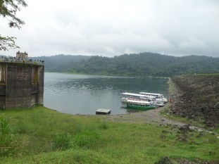 The edge of the Arenal Lake