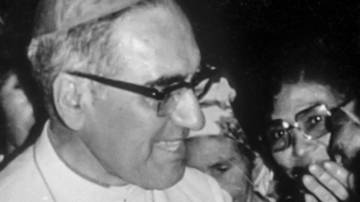 Latin-America-El-Slavador-Oscar-Romero-and-congregation_opt_fullstory_small